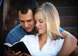 Couple-reading-scripture